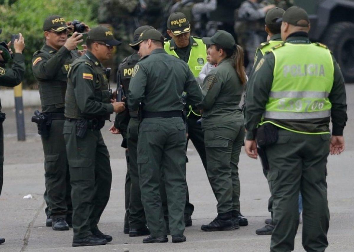 Las autoridades migratorias de Colombia le impidieron la entrada al país a personas cercanas a Maduro