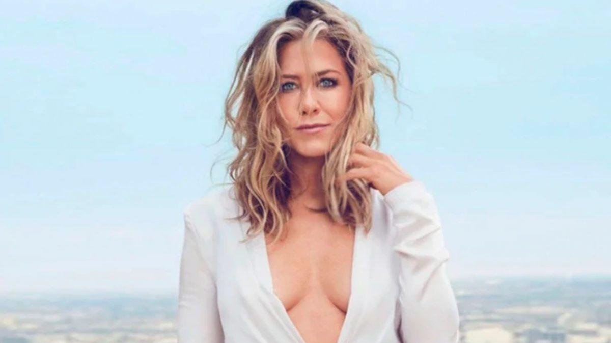 Jennifer Aniston es critica del papel que la sociedad les asigna a las mujeres: