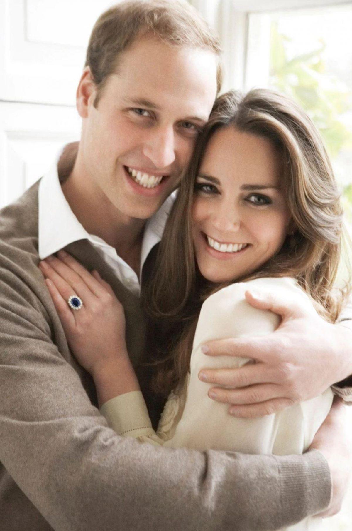 La fotografía oficial del compromiso de Kate Middleton y el príncipe William en noviembre de 2010