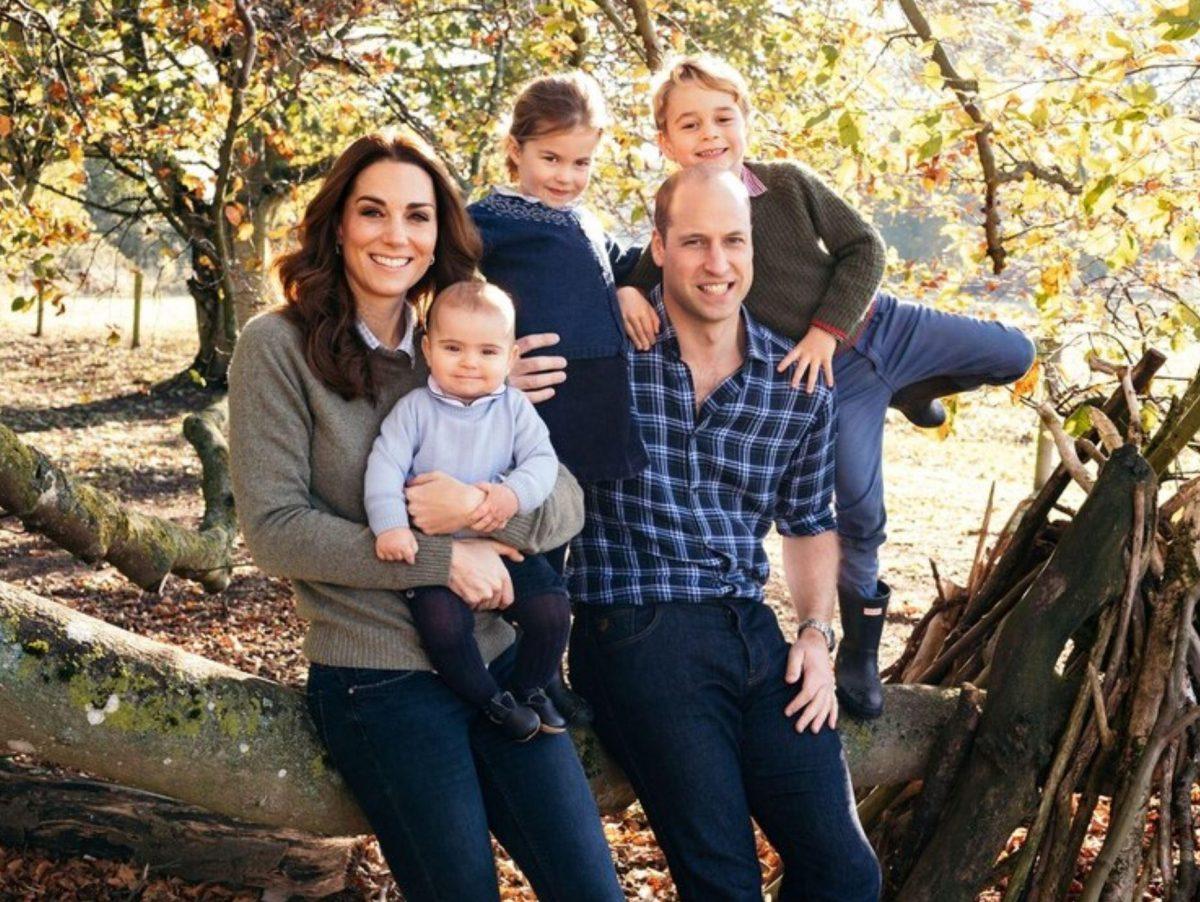 Los duques de Cambridge con sus tres hijos: Louis, Charlotte y George