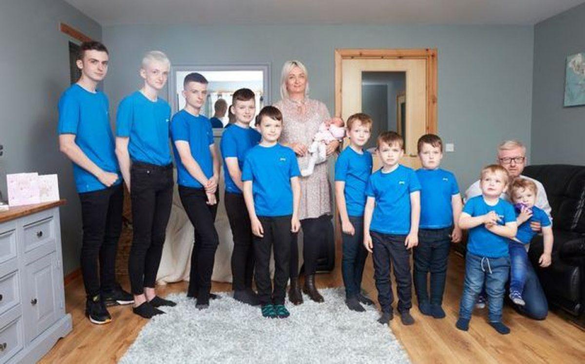 Los hijos que tiene la pareja son: Campbell (17 años), Harrison (16), Corey (14), Lachlan (11), Brodie (nueve), Brahn (ocho), Hunter (seis), Mack (cinco), Blake (tres) y Rothagaidh (dos).