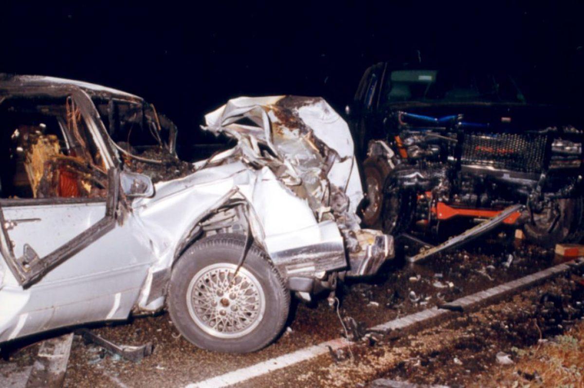 Así quedó el vehículo en el que viajaba Saburido, hace 20 años.