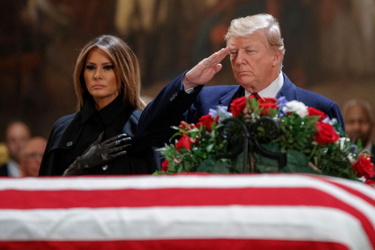 Donald Trump en compañía de la primera dama Melania Trump